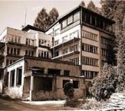 Kozubnik opuszczone miasto w Polsce (dawniej - budynek pływalni)