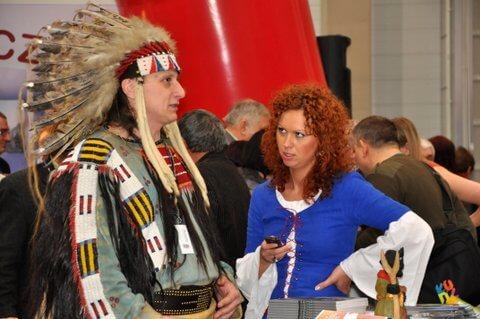 """Indianin na targach """"na styku kultur"""""""