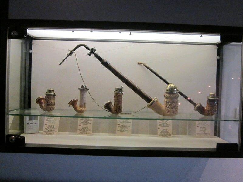 Muzeum fajek i dzwonów: fajki z kości słoniowej