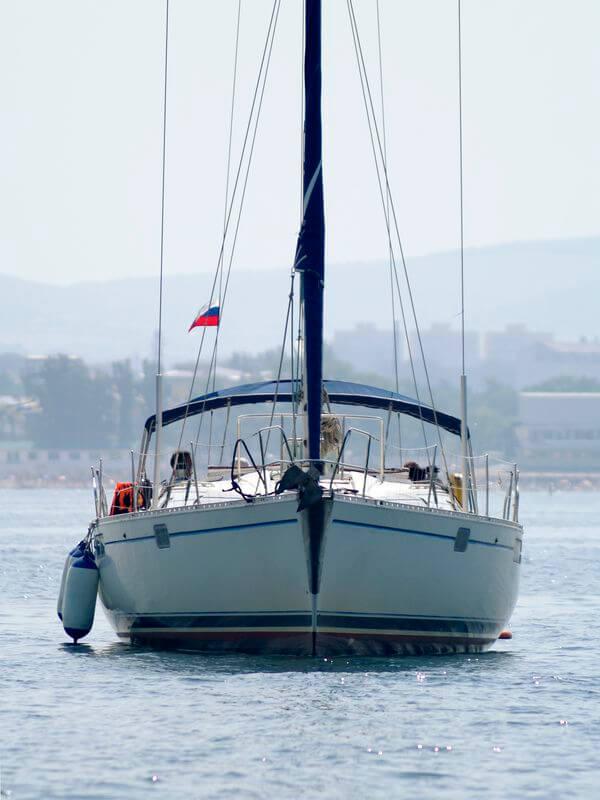 Jacht (źródło: sxc.hu)