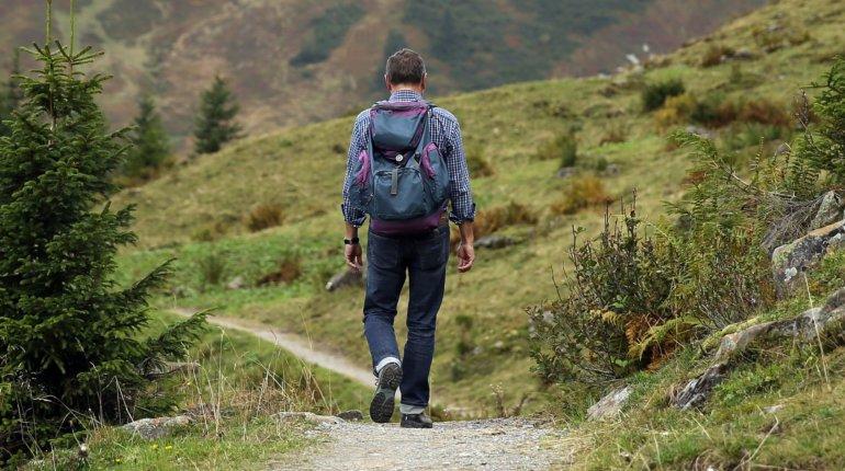 Co zabrać ze sobą na wycieczkę w góry